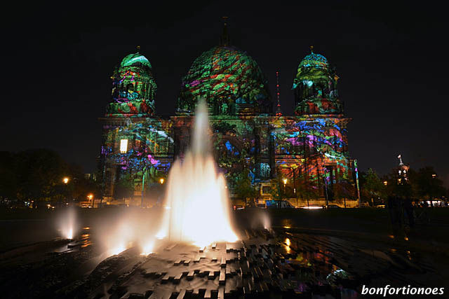 Berliner Dom beim Festival of Lights 2011