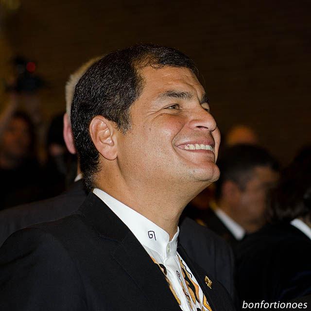 "Rafael Correa - ""Ökonomisch Unsinnig"""
