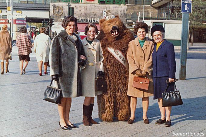 Damenquartett plus Bär