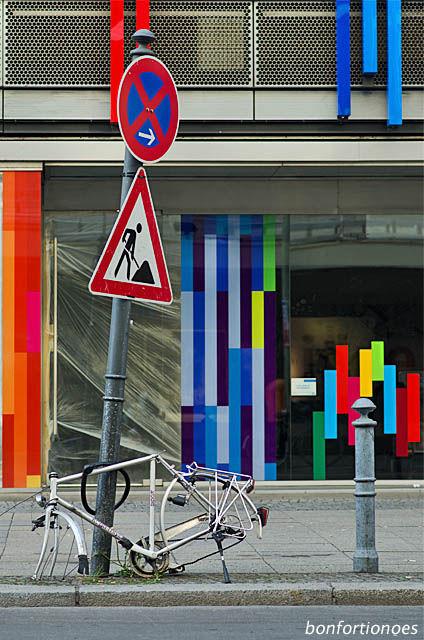 Skelettiertes Fahrrad in Berlin-Schöneberg