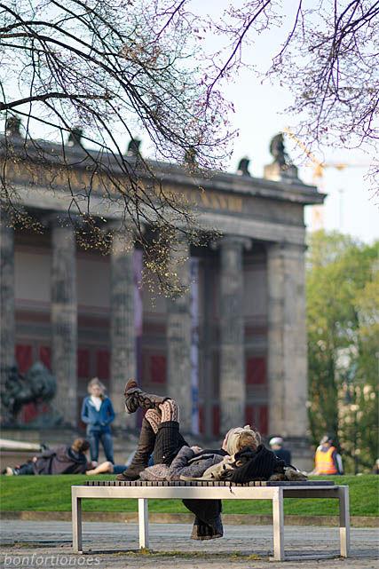 Sonnenbank im Lustgarten, Berlin